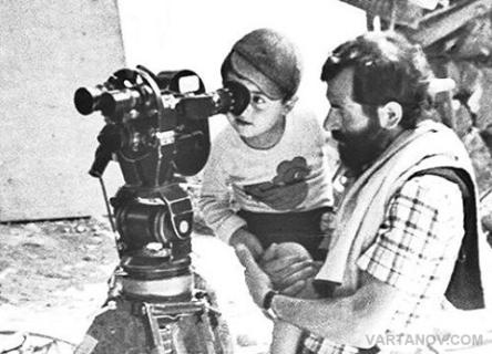 Martiros Vartanov looks through Mikhail Vartanov's movie camera