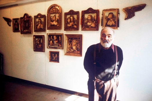 1990-Parajanov-with-his-MonaLisa-collages